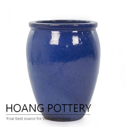 Simple ceramic urn for outdoor